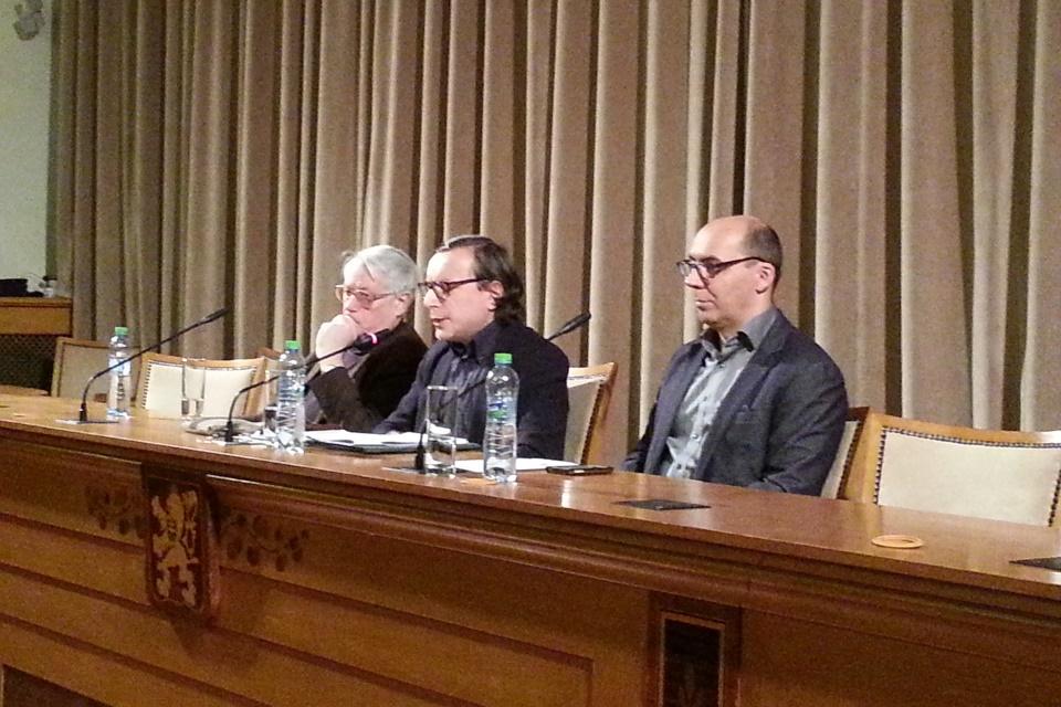 (zleva doprava) prof. Johann P. Arnason, prof. Armando Salvatore, doc. Marek Hrubec